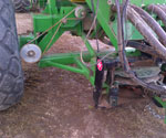 400DX with the 2 point bar removed; mounted to a John Deere tow between commodity cart